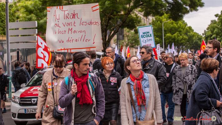 """10h43 """"Au train où vont les choses, la loco Macron va dérailler !"""" Cours d'Albret, Bordeaux. 01/05/2018"""