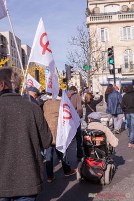 Militant la France insoumise, handicapé moteur. Manifestation intersyndicale contre les réformes libérales de Macron. Cours d'Albret, Bordeaux, 16/11/2017