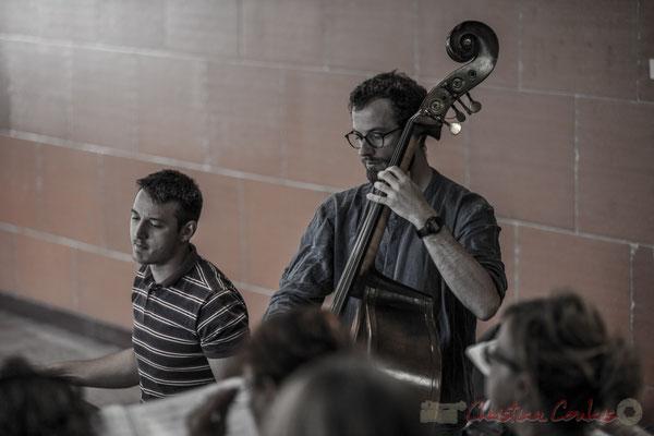 Hugo Raducanu, batterie et  Aurélien Gody, contrebasse; Les Choraleurs, Carmen in Jazz, Quinsac