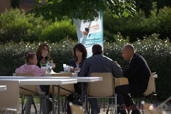 """""""Restauration sur place"""" Festival JAZZ360 2012, Big Band Jazz du Collège Eléonore de Provence. Cénac, 08/06/2012"""