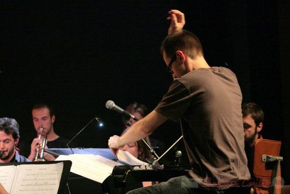 Julien Dubois dirige le Big Band du Conservatoire Jacques Thibaud, section MMA. Festival JAZZ360, Cénac. 03/06/2011