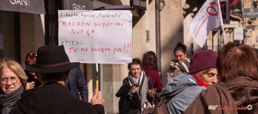 """15h16 """"Liberté, égalité, fraternité. Macron supprime tout ça et toi...tu ne bouges pas ! ! !"""" Manifestation intersyndicale de la Fonction publique/cheminots/retraités/étudiants, cours de l'Intendance, Bordeaux. 22/03/2018"""
