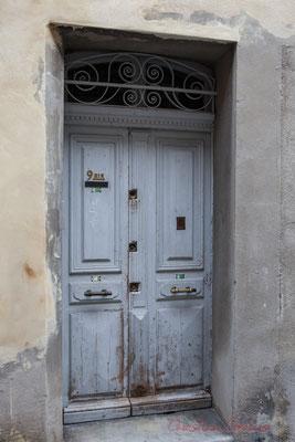 27 Porte simple à battant, Arles