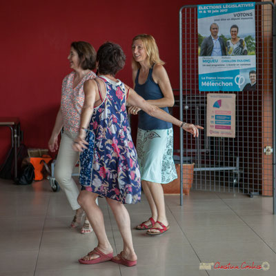 """""""On y danse, on y danse."""" Mist Monkeys. Concert de soutien des Insoumis de la 12ème circonscription de la Gironde. 28/05/2017, Targon"""