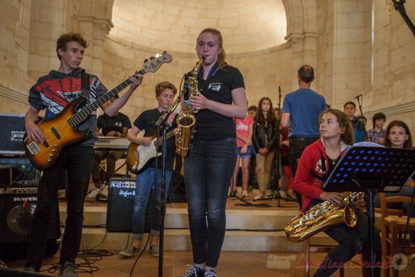 Le Big Band Jazz du Collège de Monségur accompagne la Chorale jazz de l'école de Le Tourne