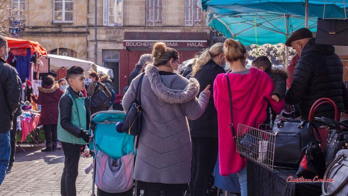 """""""C'est dans le sac"""" Marché Saint-Michel, Bordeaux. Samedi 6 mars 2021. Photographie © Christian Coulais"""