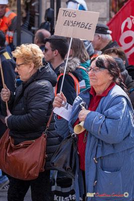 """14h21 Dame à la corne """"Tous ensemble"""" Manifestation intersyndicale de la Fonction publique/cheminots/retraités/étudiants, place Gambetta, Bordeaux. 22/03/2018"""