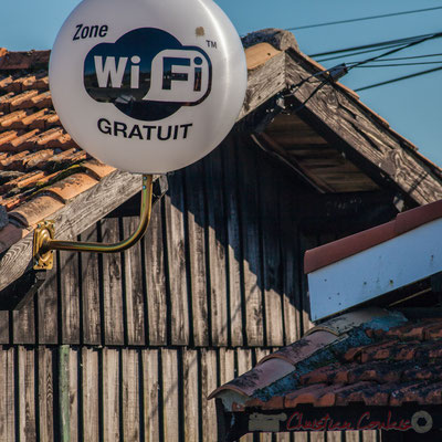 Cabanes d'ostréiculteurs, point wifi gratuit. Port d'Audenge, espace naturel sensible de Gironde