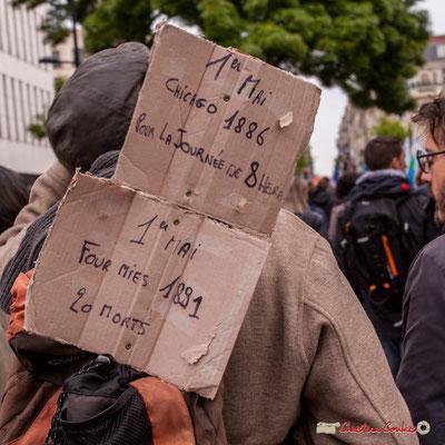 """10h36 """"1er mai 1886, Chicago, pour la journée de 8 heures; 1er mai 1891 fusillade de Fourmies, 20 morts."""" Cours d'Albret, Bordeaux. 01/05/2018"""