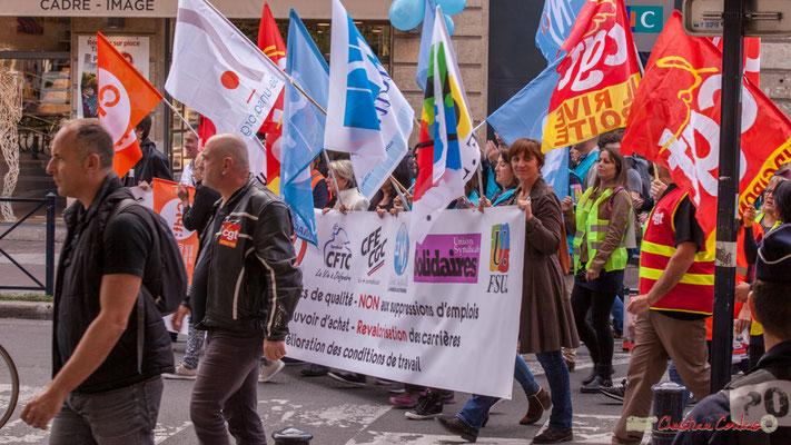 12h20 En début de cortège la bannière unitaire intersyndicale. Manifestation intersyndicale de la Fonction publique, place Gambetta, Bordeaux. 10/10/2017