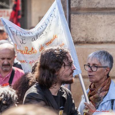 """""""Fainéants ? et alors ? ...boulots de merde...pour..."""" Manifestation contre la réforme du code du travail. Place Gambetta, Bordeaux, 12/09/2017"""