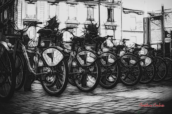 """""""Vélos à déconfiner d'urgence"""" Quartier Saint-Michel, Bordeaux. Mercredi 24 juin 2020. Photographie © Christian Coulais"""