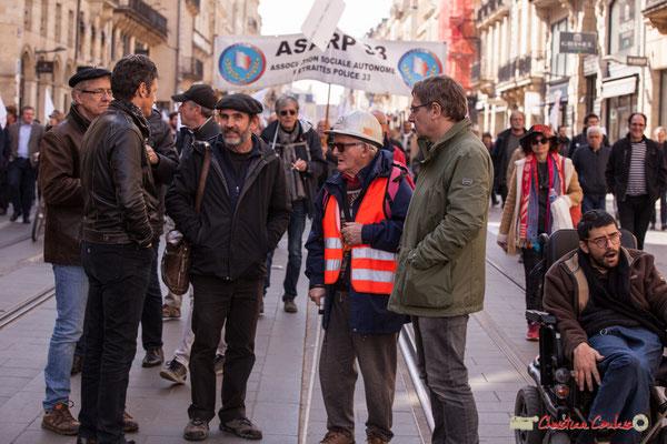 15h18 En gilet orange, géologue ESSO retraité. Manifestation intersyndicale de la Fonction publique/cheminots/retraités/étudiants, cours de l'Intendance, Bordeaux. 22/03/2018