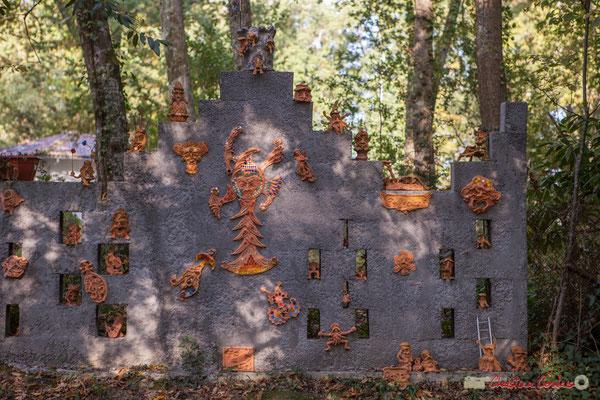 1 Le petit peuple des forêts, est ici représenté (elfes, fées, trolls, lutins). Chemin de Peybotte, Lignan-de-Bordeaux. 17/10/2017