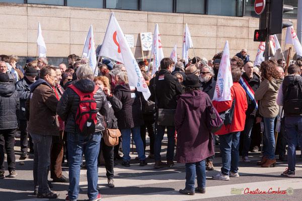 13h50 Rassemblement de la France insoumise. Manifestation intersyndicale de la Fonction publique/cheminots/retraités/étudiants, cours d'Albert, Bordeaux. 22/03/2018