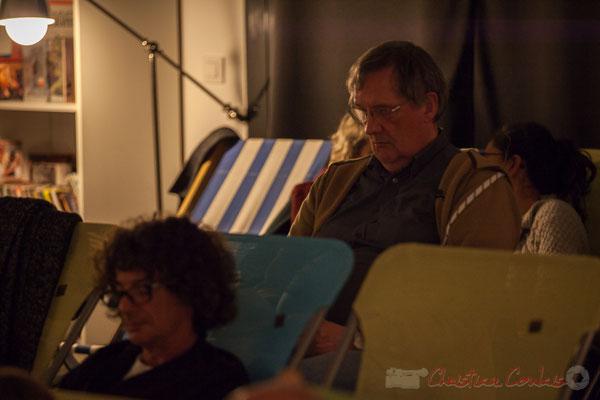 Jean-Bernard Fourmy prend des notes au fur et à mesure. Le Rocher de Palmer, 12/12/2015. Reproduction interdite - Tous droits réservés © Christian Coulais