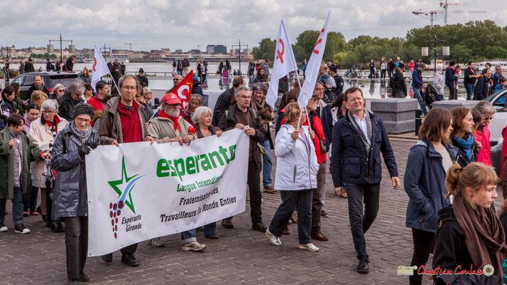 """11h41 Esperanto Gironde """"Langue internationale, Fraternisation des travailleurs du monde entier."""" Quai Richelieu, Bordeaux. 01/05/2018"""