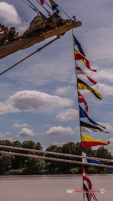 Oriflammes à la proue du Krusenstern. Bordeaux fête le fleuve. 22/06/2019 Reproduction interdite - Tous droits réservés © Christian Coulais