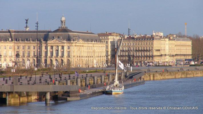 Le port de la Lune, le quai du Maréchal Lyautey, la gabarre les Deux Frères. Bordeaux, samedi 16 mars 2013