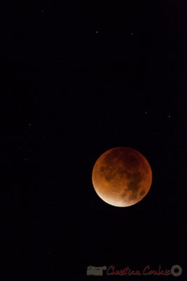 04h11, Eclipse totale de Lune, Super Lune de sang