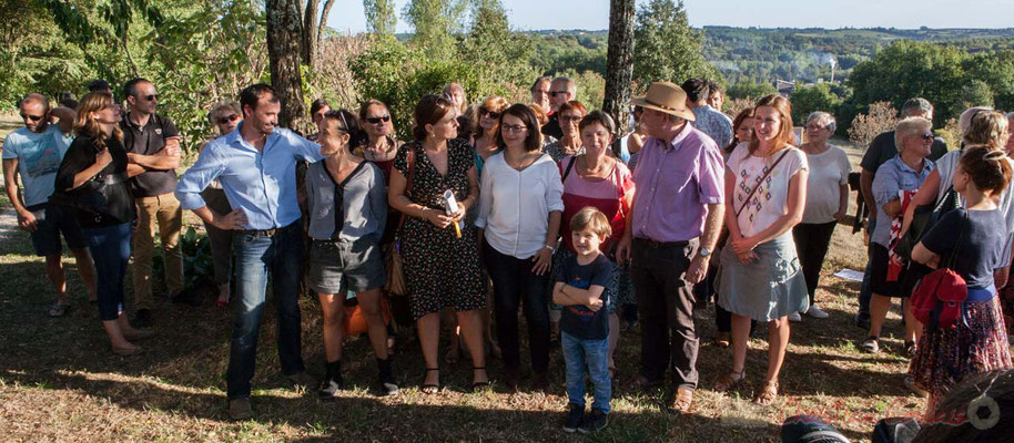 Riverains et élus, unis dans le même combat pour la mise aux normes de la Distillerie Douence, Saint-Genès-de-Lombaud, Gironde