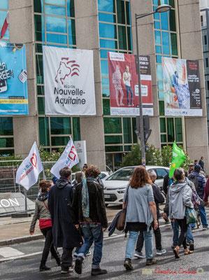 La France Insoumise passe, en compagnie d'écologistes, devant l'Hôtel de Région Nouvelle-Aquitaine. Manifestation contre la réforme du code du travail. Rue François de Sourdis, Bordeaux, 12/09/2017