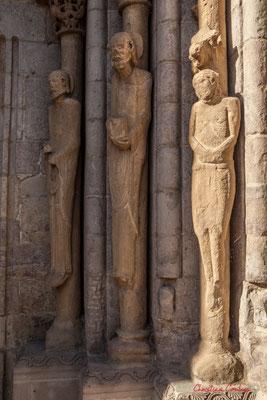 Élancé et de proportions moyennes, le portail date des XIIe et XIVe siècles, et son style correspond à la transition du roman au gothique, Sangüesa, Navarre