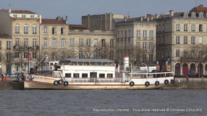 Le bateau Ville de Bordeaux, le plus vieux bateau promenade du port de la Lune en vente pour 500 000€ doit quitter son appontement sans aucune destination. Bordeaux, samedi 16 mars 2013