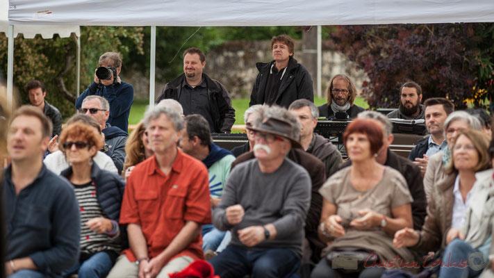 Les techniciens son sous l'égide de Pablo Jarraute. Festival JAZZ360 2016, Quinsac, 12/06/2016