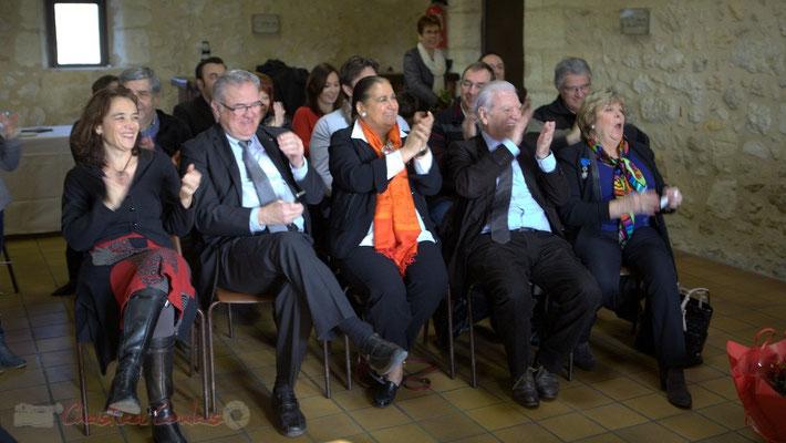 Chaleureux applaudissements du public, avant de passer au vin d'Honneur. Le Pout, 7 février 2015