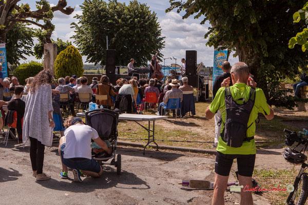 """""""A poussette ou en vélo, le public est JAZZ"""" Loïc Cavadore Trio, Festival JAZZ360 2019, Camblanes-et-Meynac. 08/06/2019"""