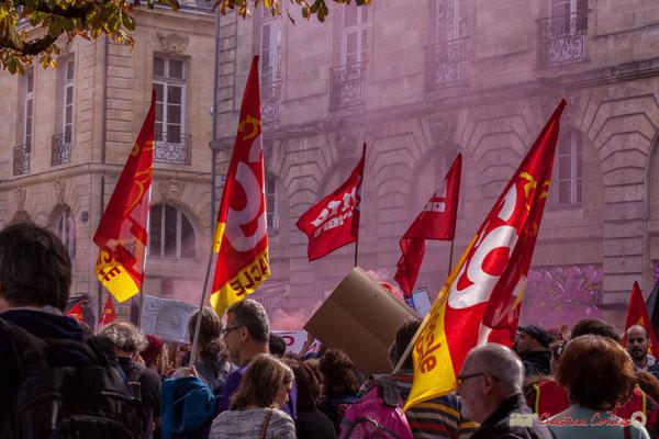 Lutte ouvrière / C.G.T. Manifestation intersyndicale de la Fonction publique, place Gambetta, Bordeaux. 10/10/2017
