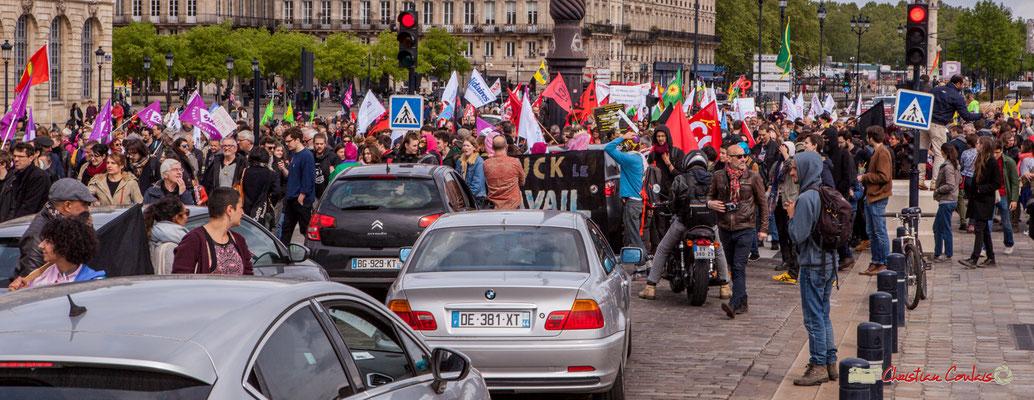 11h36 Manifestation du 1er mai 2018, fête du travail; solidarité internationale des travailleurs. Quai de la Douane, Bordeaux.