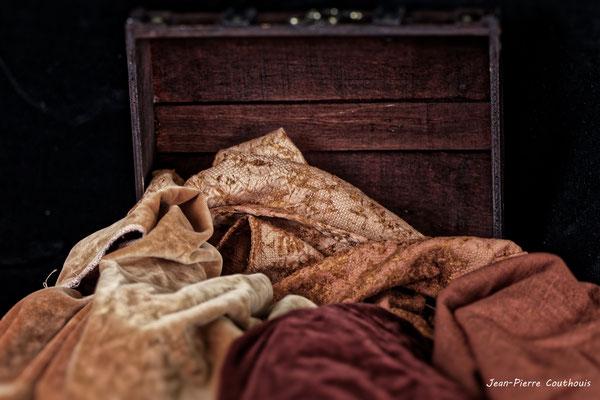 Nature morte; l'objet de décoration, Atelier Photo Numérique de l'AMAC. 09/11/2019 Photographie © Jean-Pierre Couthouis
