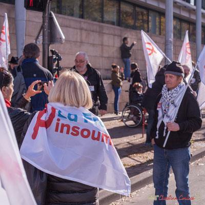 """""""Porte-étole & porte-drapeau de la France insoumise"""" Manifestation intersyndicale contre les réformes libérales de Macron. Bordeaux, 16/11/2017"""