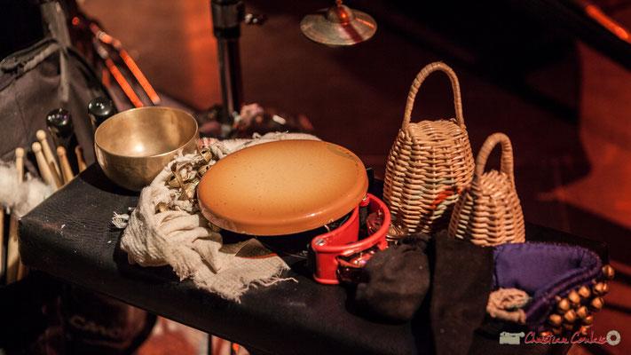 Ustensiles musicaux utilisés par Frédéric Petitprez. Rémi Panossian RP3 au Festival JAZZ360 à Cénac, 9 juin 2017