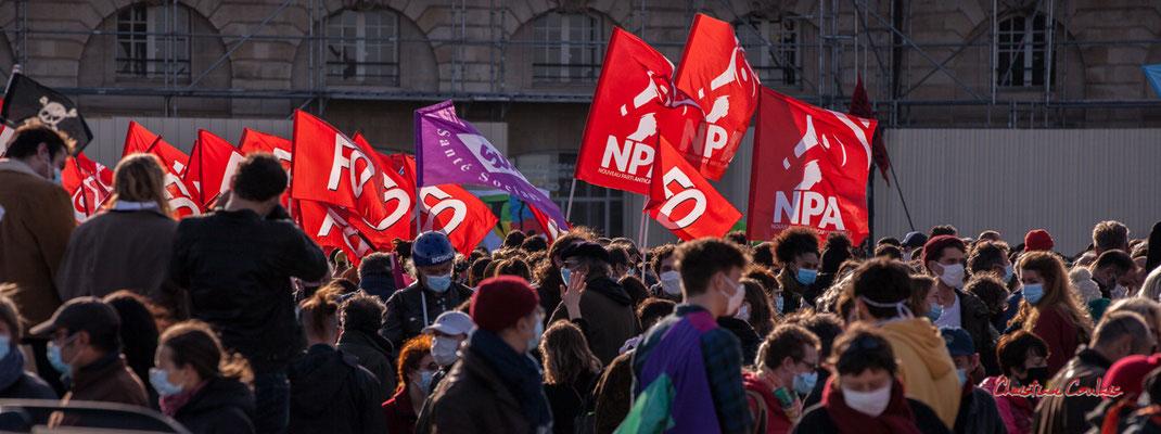 """M""""F.O., Sud, N.P.A."""" Manifestation contre la loi Sécurité globale. Samedi 28 novembre 2020, place de la Bourse, Bordeaux. Photographie © Christian Coulais"""