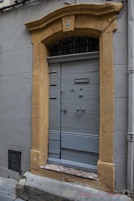 28 Porte simple à battant, Arles