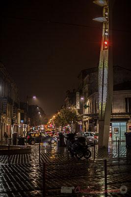 Extérieur nuit, sous la pluie, cours de la Marne, rue de Tauzia, Bordeaux