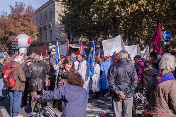 Mise en place du cortège intersyndical. Manifestation intersyndicale contre les réformes libérales de Macron. Bordeaux, 16/11/2017