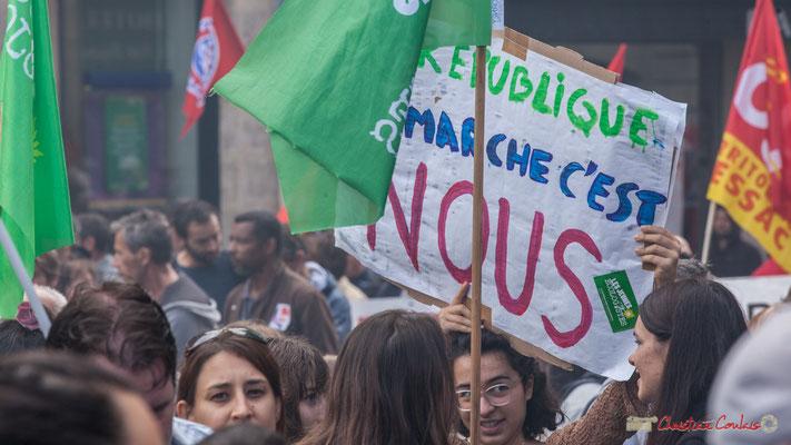 """La jeunesse écologiste """"La République en Marche, c'est Nous"""" Manifestation contre la réforme du code du travail. Place Gambetta, Bordeaux, 12/09/2017"""