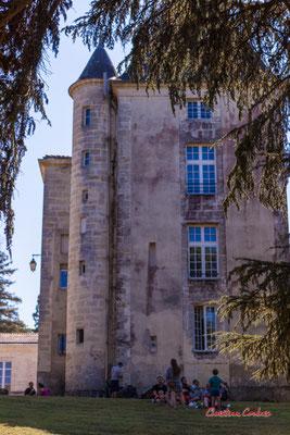Pique-nique au Château de Latresne, l'Aérocampus fête ses 10 ans. Ouvre la voix, dimanche 5 septembre 2021. Photographie © Christian Coulais