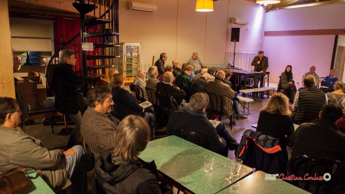 """Présentation par Jacques Desbordes de l'auteur, Jean-Marie Darmian, et de son livre """"Le partage du pouvoir local"""". Créon, mardi 22 octobre 2019"""