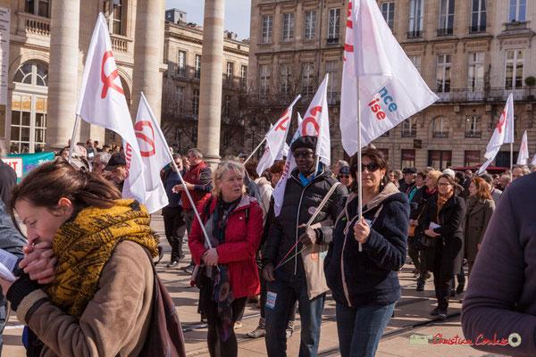 15h23 la France insoumise. Manifestation intersyndicale de la Fonction publique/cheminots/retraités/étudiants, place de la Comédie, Bordeaux. 22/03/2018