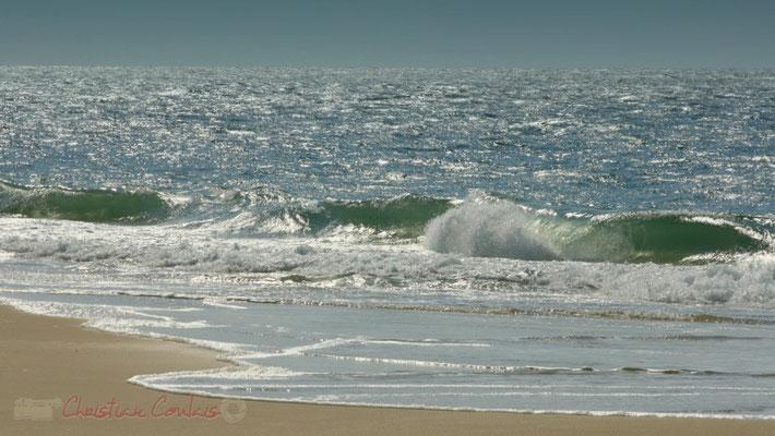 Rouleaux de vagues. Petit-Nice de Pyla-sur-Mer, route de Biscarrosse, forêt domaniale de La Teste-de-Buch