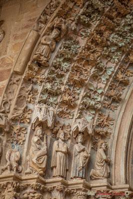 La façade polychrome constitue l'un des ensembles les plus significatifs de la sculpture gothique navarraise / La fachada policromada es uno de los conjuntos más significativos de la escultura gótica navarra. Iglesia de Santa María de Olite, Navarra