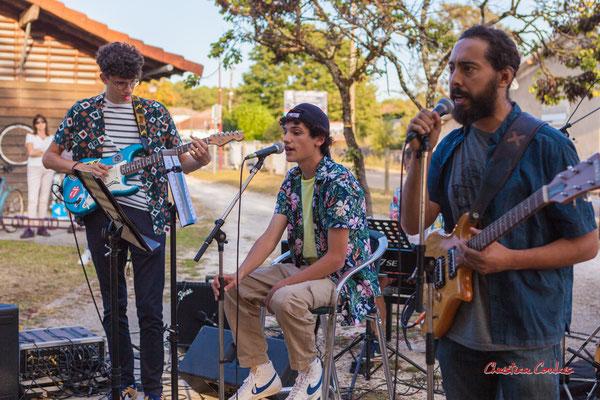 Gabriel, Gabin, Stéphane; Axelle and the mec(s) en concert. Festival Ouvre la voix, sation vélo de Créon, samedi 4 septembre 2021. Photographie © Christian Coulais