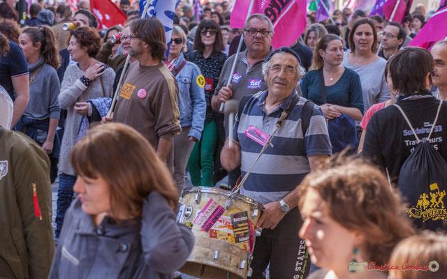 Batteur Solidaires. Manifestation intersyndicale de la Fonction publique, place Gambetta, Bordeaux. 10/10/2017
