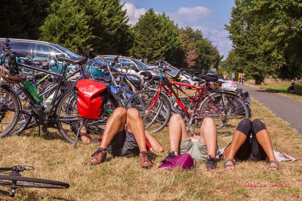 Sieste musicale à la gare d'Espiet, piste cyclable Roger Lapébie avec Astaffort Mods. Ouvre la voix, samedi 4 septembre 2021. Photographie © Christian Coulais