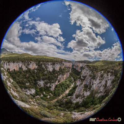 objectif 8mm. Belvédère d'Iso, Gorge de Arbaiun, Navarre / Belvedere de Iso, Foz de Arbaiun, Navarra